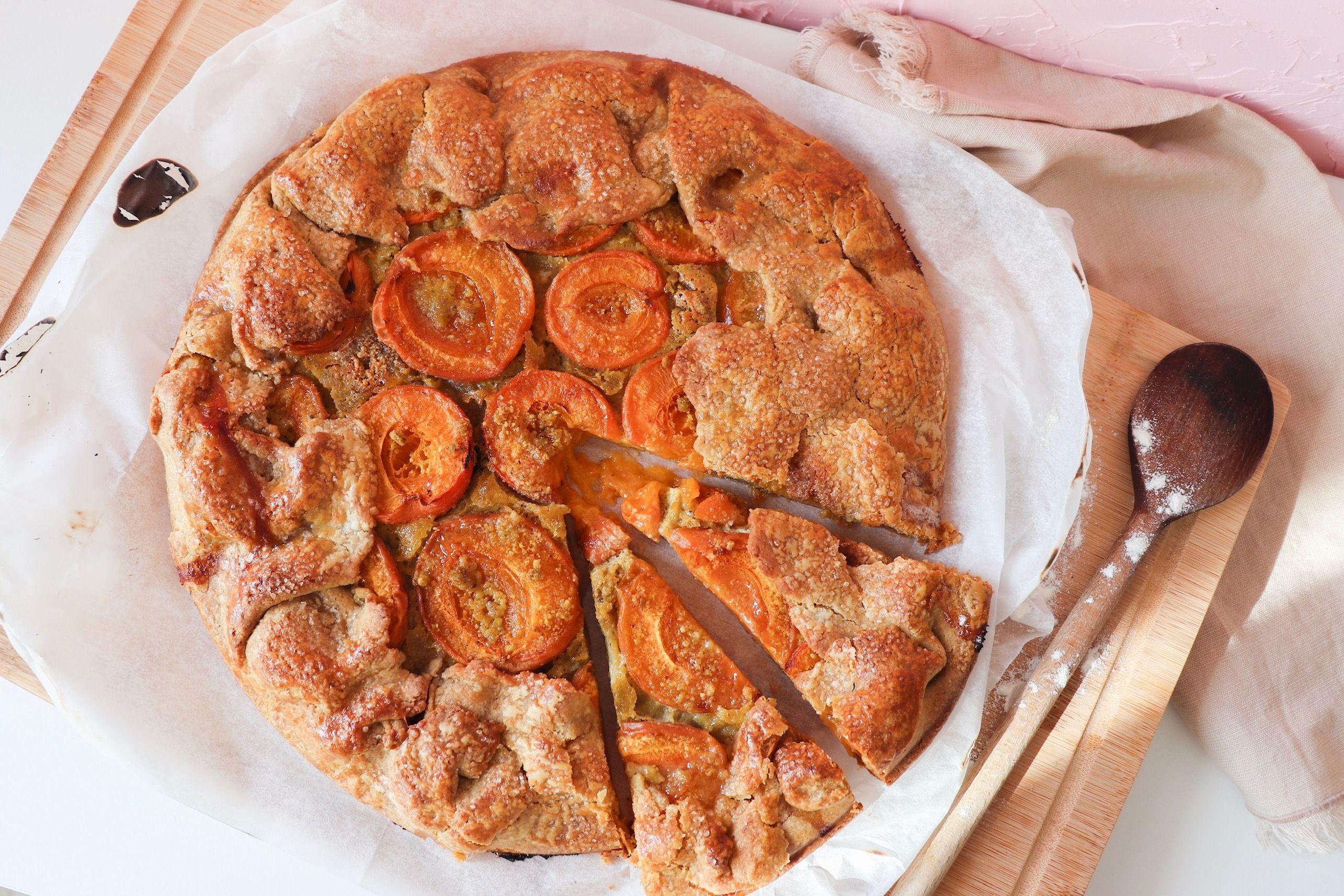 tarte rustique abricot pistache fraises recette patisserie léa patisseries inspirées