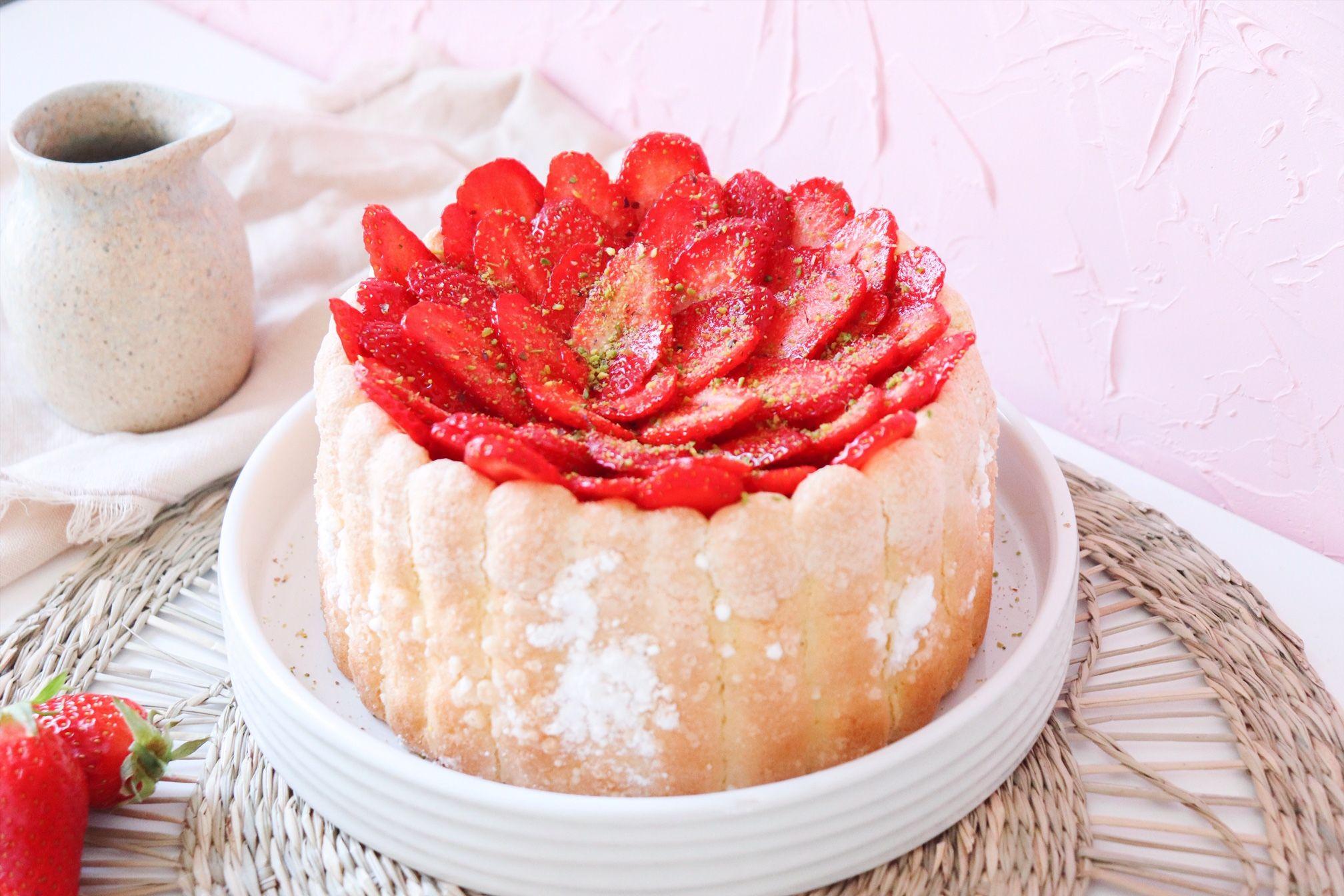 charlotte fraises pistache recette patisserie léa patisseries inspirées